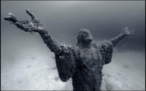 maltese underwater jesus statue